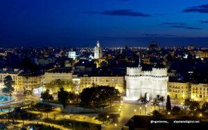 Panoramica di Valencia nella notte